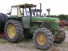 Un trattore, mezzo agricolo