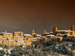 Veduta di Sant'Elpidio a Mare con la neve