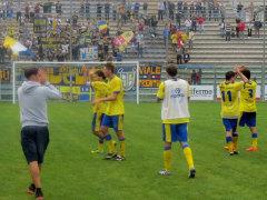 Giocatori della Fermana allo stadio Recchioni