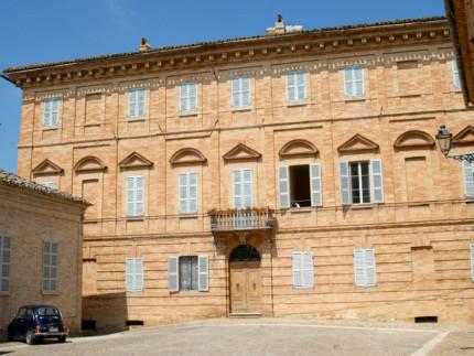 Palazzo Amici, Montottone