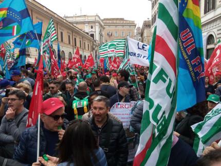Manifestazione sindacale CGIL CISL UIL a Roma