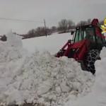 Vigili del Fuoco al lavoro sulla neve di Montefalcone Appennino