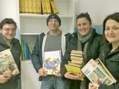 Allestimento biblioteca a cura dell'Associazione Arcobaleno
