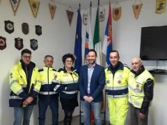 Alessio Terrenzi e lo staff della Protezione Civile