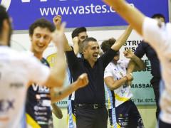 Esulta coach Ortenzi - M&G Videx Grottazzolina