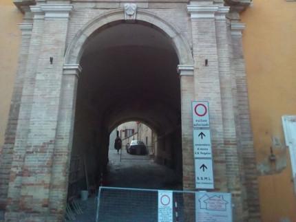 Tunnel sottostante la Biblioteca Spezioli di Fermo