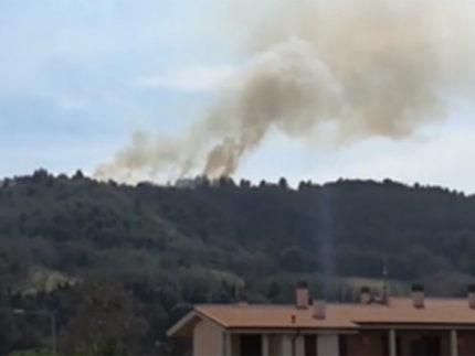 Incendio a Pedaso su monte Serrone