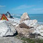 Lavori sulle scogliere di Marina Palmense di Fermo