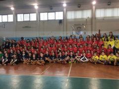 I giovani atleti e le giovani atlete che hanno partecipato al Gioca Volley di Casette d'Ete