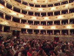Teatro dell'Aquila di Fermo gremito