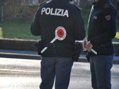 Polizia, controlli, posto di blocco