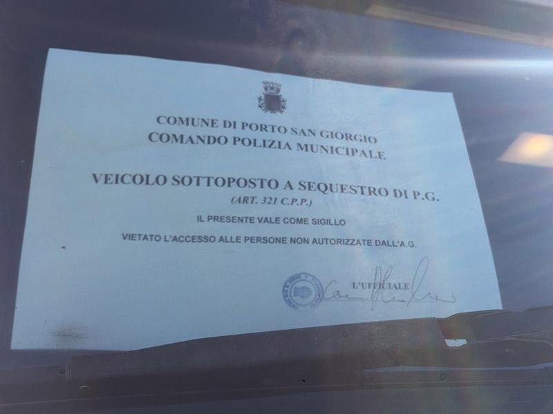 Sversamento illecito rifiuti a Porto San Giorgio: il mezzo sequestrato