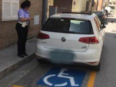 Multe a Porto San Giorgio per sosta su spazi destinati ai portatori di handicap