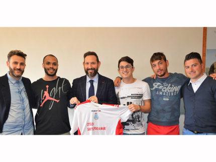 Squadra di Sant'Elpidio a Mare che parteciperà al torneo di calcetto tra i Comuni della provincia di Fermo