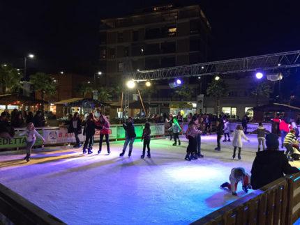Pista di pattinaggio su ghiaccio a Porto Sant'Elpidio