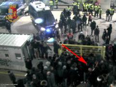 Lancio bomba carta durante contestazione dopo Ascoli-Frosinone